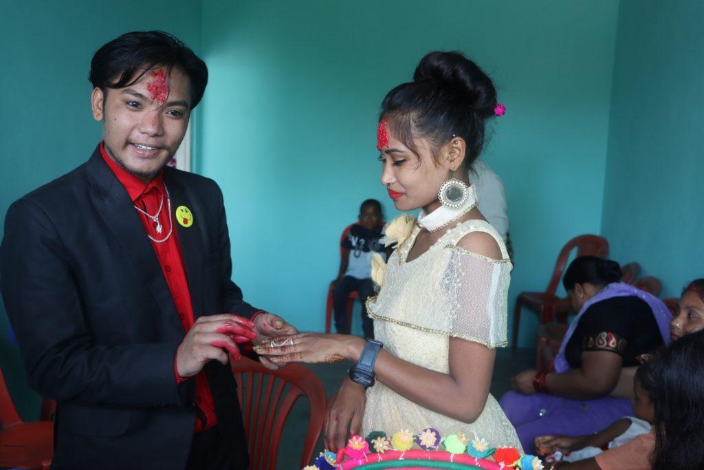 रानाथारु कल्चरल फेस आइडल कि बिजेता मिस.धनकुमारी रानाको आज मङ्गनी (engagement)