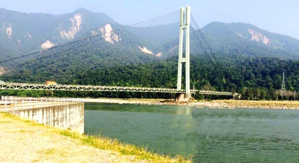 कर्णाली पुलबाट हामफालेका किशोर फेला परेनन्,  खोजी कार्य जारी
